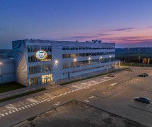 """Vokietijos automobilių elektronikos komponentų gamykla """"Hella"""""""